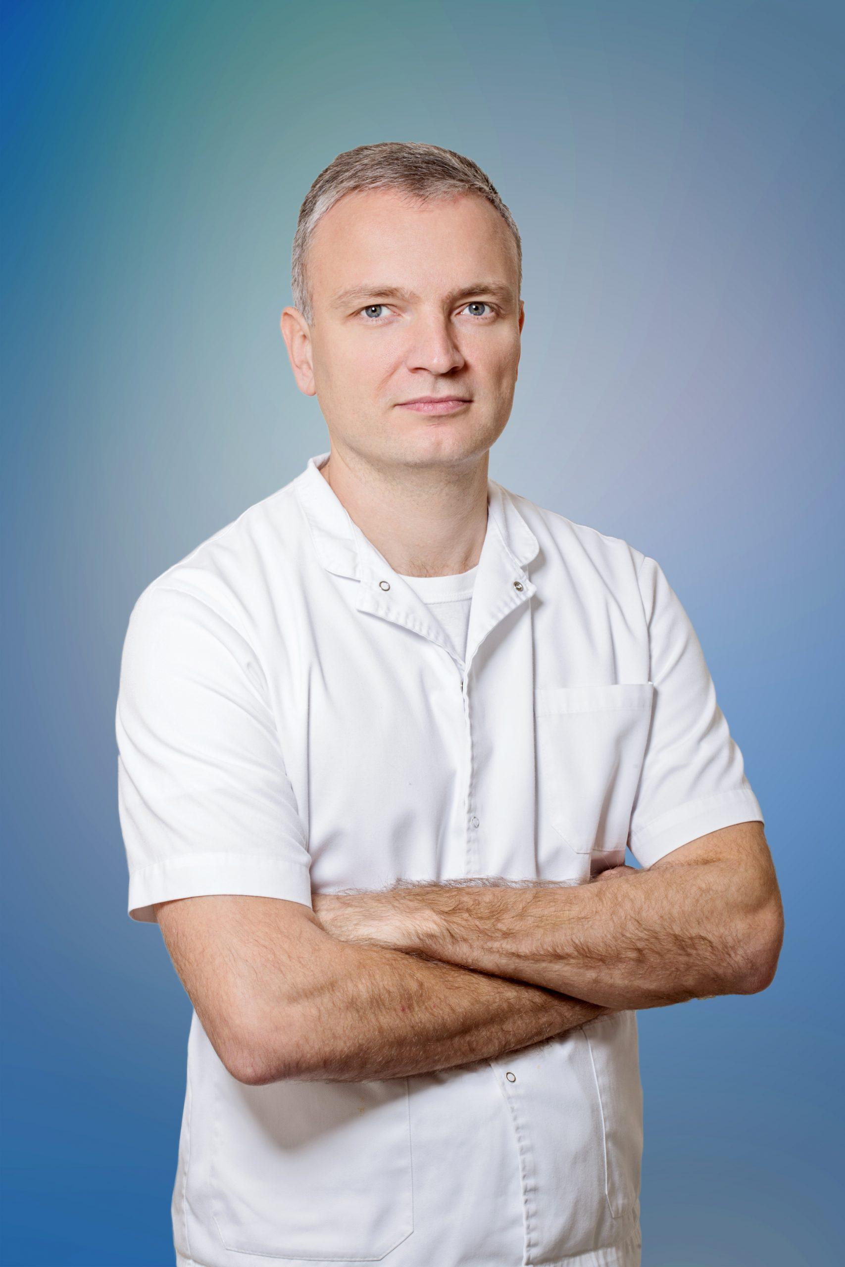 Dr Dejan Škrbić